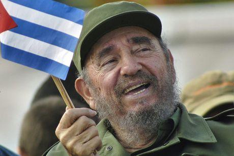 Khoanh khac lanh tu Fidel Castro ben cac chinh khach the gioi - Anh 1