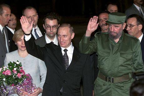 Khoanh khac lanh tu Fidel Castro ben cac chinh khach the gioi - Anh 2