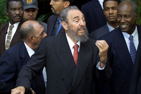Khoanh khac lanh tu Fidel Castro ben cac chinh khach the gioi - Anh 3