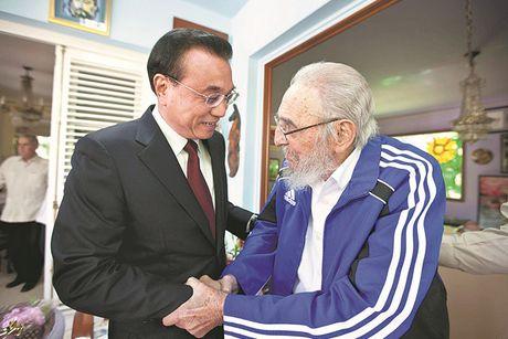 Khoanh khac lanh tu Fidel Castro ben cac chinh khach the gioi - Anh 7