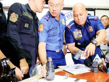 Philippines phat hien vat the kha nghi gan Dai su quan My - Anh 1