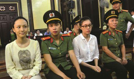 Vu Hoa hau Phuong Nga: Co hay khong chuyen 'chia tay- doi qua'? - Anh 1