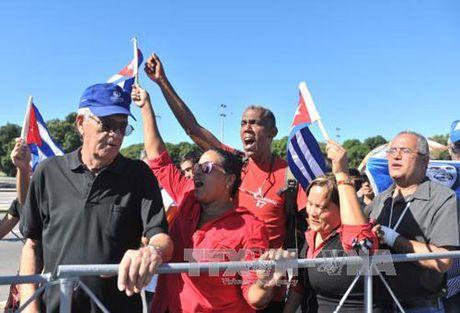 Ong Kim Jong Un vieng lanh tu Cuba Fidel Castro - Anh 1