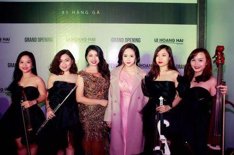 NTK Hoang Hai khien hang loat nu doanh nhan Ha Noi 'me dam' - Anh 2