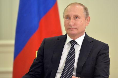 Tong thong Putin sa thai mot loat cac quan chuc cap cao - Anh 1