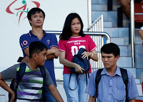 """DT Viet Nam: Huu Thang day """"bi an"""", fan nu chung hung - Anh 10"""