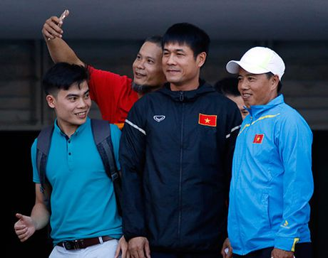 """DT Viet Nam: Huu Thang day """"bi an"""", fan nu chung hung - Anh 1"""