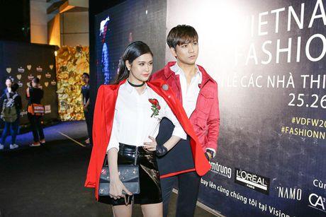 Dan sao Viet 'nao loan' tham do Vietnam Designer Fashion Week Fall - Winter 2016 - Anh 3