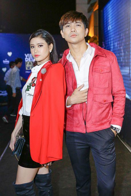 Dan sao Viet 'nao loan' tham do Vietnam Designer Fashion Week Fall - Winter 2016 - Anh 4