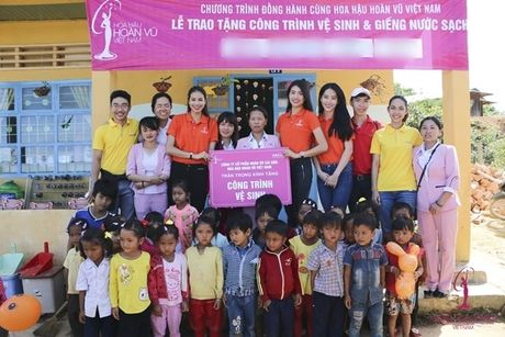 Pham Huong, Le Hang, Nam Em den voi tre em vung cao tinh Lam Dong - Anh 5