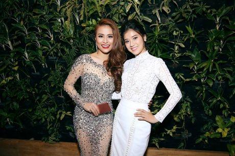 Vinh Thuy cong khai than mat ben Hoang Thuy Linh - Anh 13