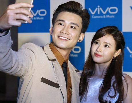Vinh Thuy cong khai than mat ben Hoang Thuy Linh - Anh 16