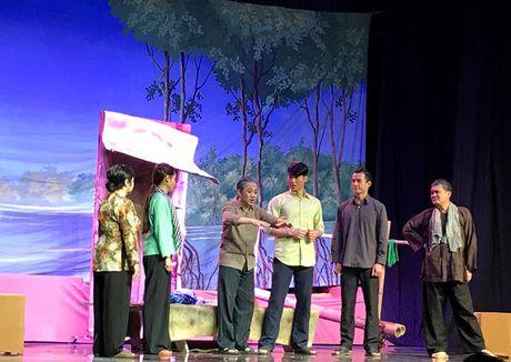 Thanh Loc - Huu Chau khien kieu bao khoc cuoi giua san khau My - Anh 7