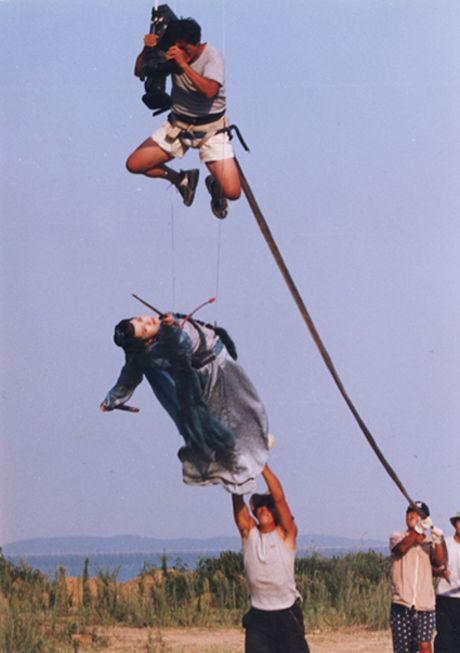 Hau truong bay nhay, cuoi ngua trong phim co trang Hoa ngu - Anh 2