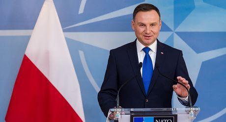 Tong thong Ba Lan lo ngai truoc viec Nga bo tri vu khi o Kaliningrad - Anh 1