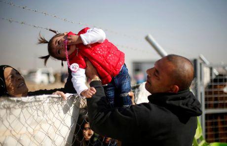 Nhung cuoc trung phung dam nuoc mat ben ngoai thanh tri Mosul - Anh 4