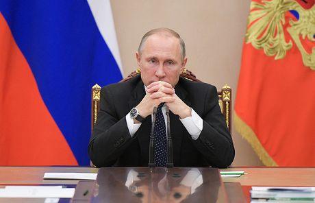 Kremlin: Putin 'biet tong' Ukraine dinh thu ten lua tai Crimea - Anh 1