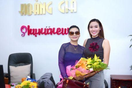 Hoa hau Kim Nguyen lam MC chuong trinh giao luu cung ca si Khanh Ly - Anh 1