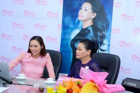 Hoa hau Kim Nguyen lam MC chuong trinh giao luu cung ca si Khanh Ly - Anh 2