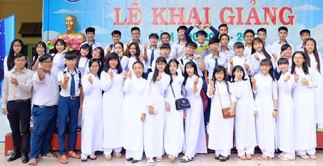 Thay giao Sai Gon che bai hat co ten 41 hoc sinh - Anh 1