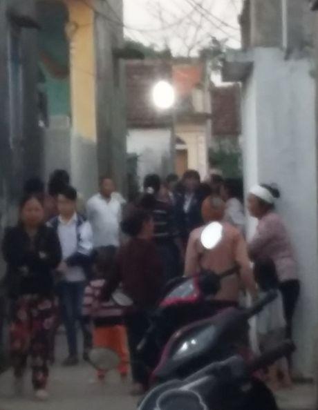 Nam Dinh: Nghi an chong thieu song vo roi uong thuoc tru sau tu van - Anh 2