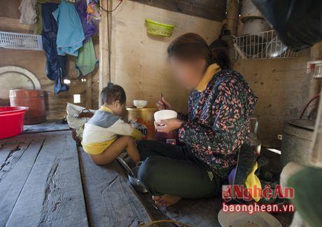 Bat hanh nhung phan doi lam canh bi bao hanh - Anh 1