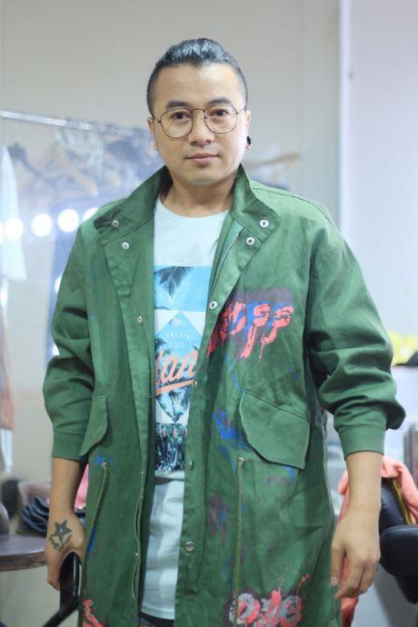 Huong Giang sexy 'cuc do' thoai mai ngoi… len dui Trinh Thang Binh - Anh 8