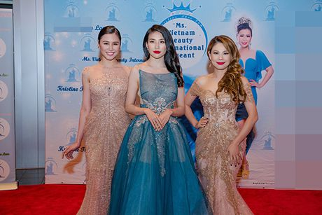 Thanh Thao lien tuc dat show lam giam khao thi sac dep - Anh 4