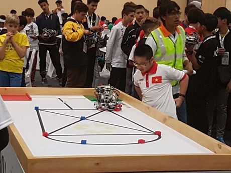 Cuoc thi robot quoc te WRO 2016: Hoc sinh TP.HCM doat giai ba chung cuoc - Anh 1