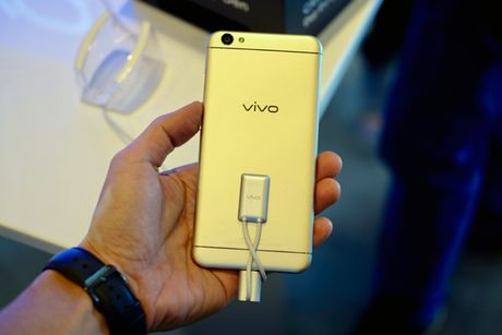 Vivo ra mat smartphone camera truoc 20MP, Hoang Thuy Linh lam dai su - Anh 8