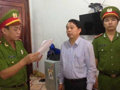 Nguyen chu tich huyen an tien mat bang Formosa hau toa - Anh 1