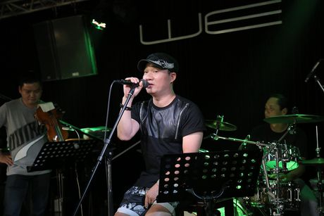 Quang Linh bat ngo xuat hien o 'Duyen dang Viet Nam 28' - Anh 1