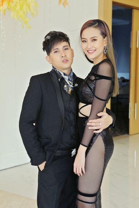 Nguyen Vu be bong Khanh Ngan o su kien - Anh 1