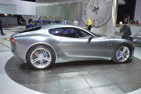 Maserati san xuat sieu xe dien canh tranh Tesla - Anh 2