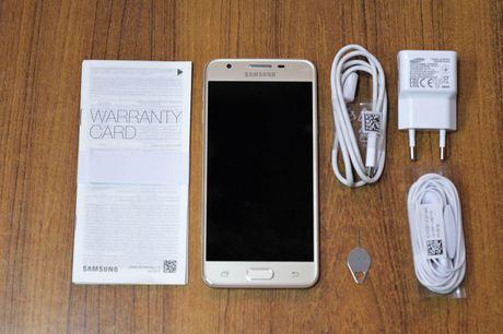 Clip: Mo hop Samsung Galaxy J5 Prime sap len ke o Viet Nam - Anh 2
