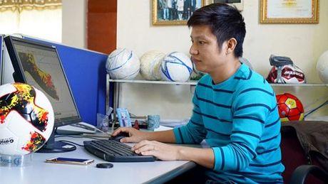 Mau bong moi cua V.League 2017 khien nguoi ham mo phat sot - Anh 2