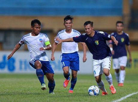 Mau bong moi cua V.League 2017 khien nguoi ham mo phat sot - Anh 5