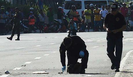 Doi an ninh cua TT Philippines bi tan cong - Anh 1