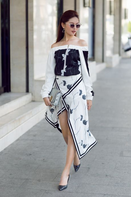 A hau Thuy Dung ca tinh voi street style ruc ro - Anh 10