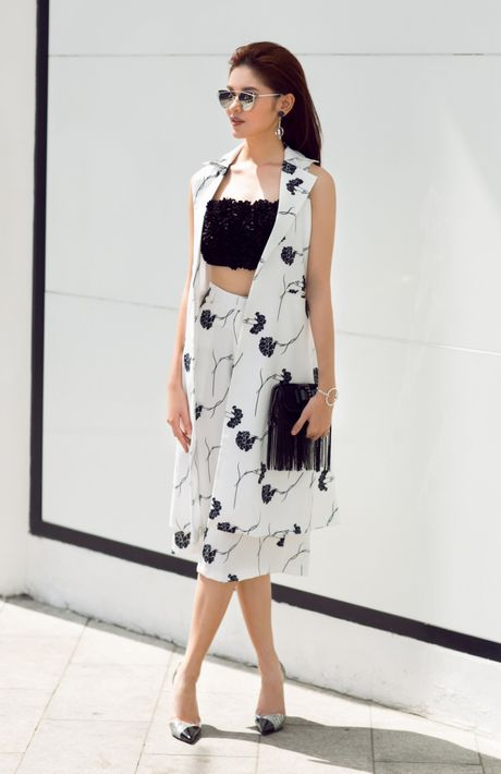 A hau Thuy Dung ca tinh voi street style ruc ro - Anh 3