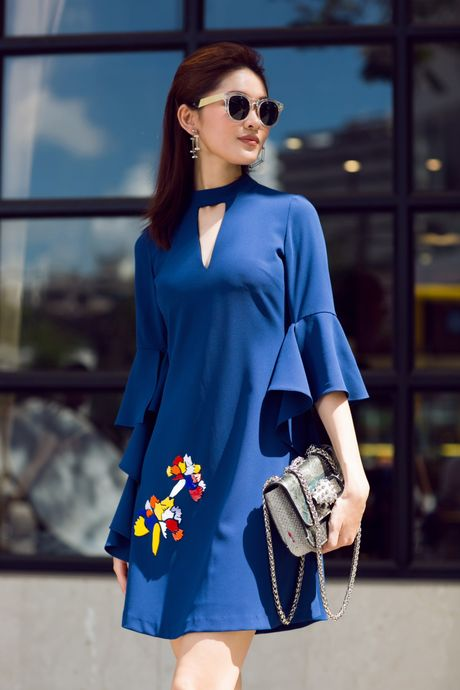 A hau Thuy Dung ca tinh voi street style ruc ro - Anh 5