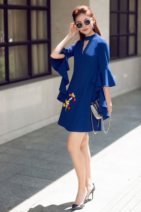 A hau Thuy Dung ca tinh voi street style ruc ro - Anh 6