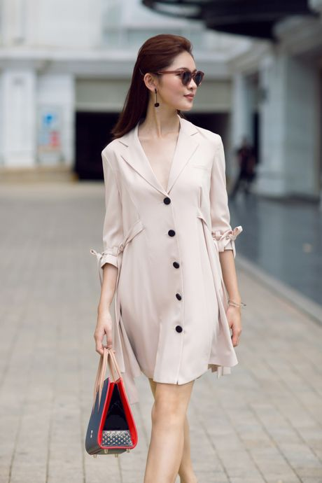 A hau Thuy Dung ca tinh voi street style ruc ro - Anh 7