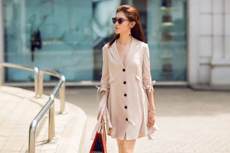 A hau Thuy Dung ca tinh voi street style ruc ro - Anh 8