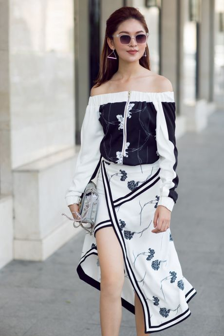 A hau Thuy Dung ca tinh voi street style ruc ro - Anh 9