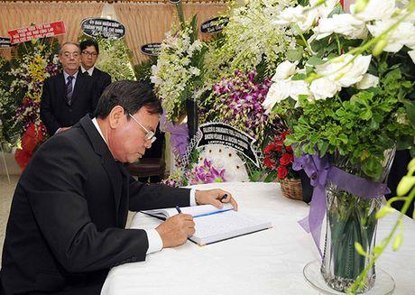 Xuc dong le vieng lanh tu Fidel Castro Ruz tai Ha Noi, TP HCM - Anh 10