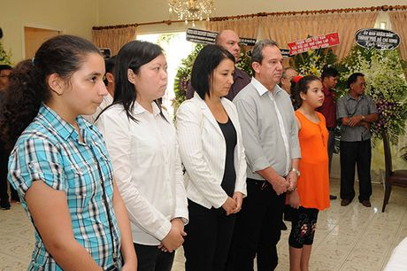 Xuc dong le vieng lanh tu Fidel Castro Ruz tai Ha Noi, TP HCM - Anh 8