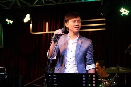 Hoai Lam len tieng khi bi 'nem da' vi muon lay vo som, nghi van dung tinh yeu de PR - Anh 1