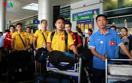 Tro ve tu Myanmar, DT Viet Nam 'thu gian' trong buoi tap dau tien - Anh 1