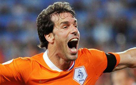 Robben bau doi hinh trong mo: Van Nistelrooy va Lampard duoc vinh danh - Anh 12